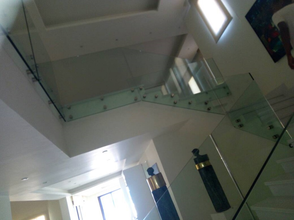 Decorating glass staircase